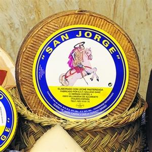 """Foto de Queso de vaca """"San Jorge"""""""